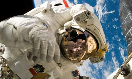Astronaut Piers J. Sellers participates in a spacewalk