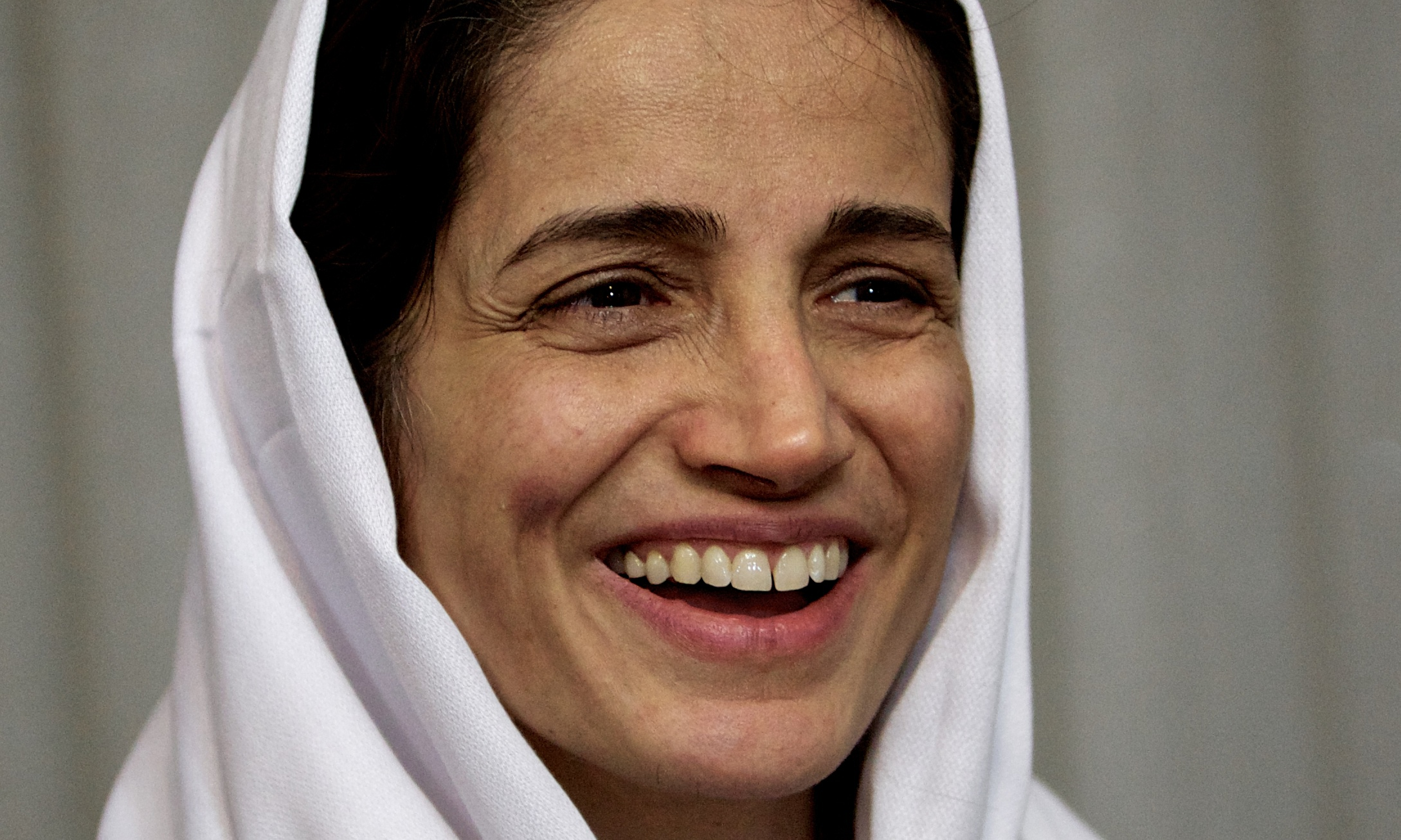 https://image.guim.co.uk/sys-images/Guardian/Pix/pictures/2014/10/25/1414255814831/Nasrin-Sotoudeh-was-tempo-012.jpg